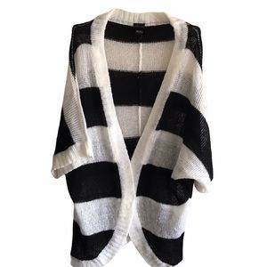 Torrid Black & White Open Front Knit Sweater